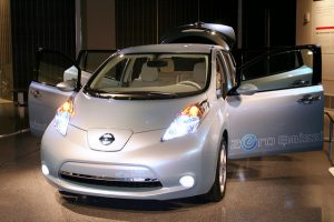 Nissan-Leave-Zero-Emission-Showmodel